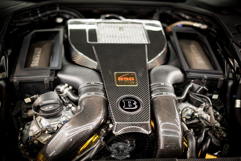 Mercedes S Brabus 850 - мойка мотора паром