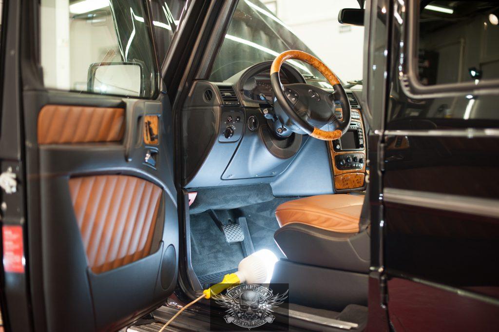 Mercedes G500 Бронированный VR8 - химчистка