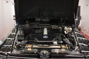 Mercedes G500 Бронированный - мойка двигателя паром