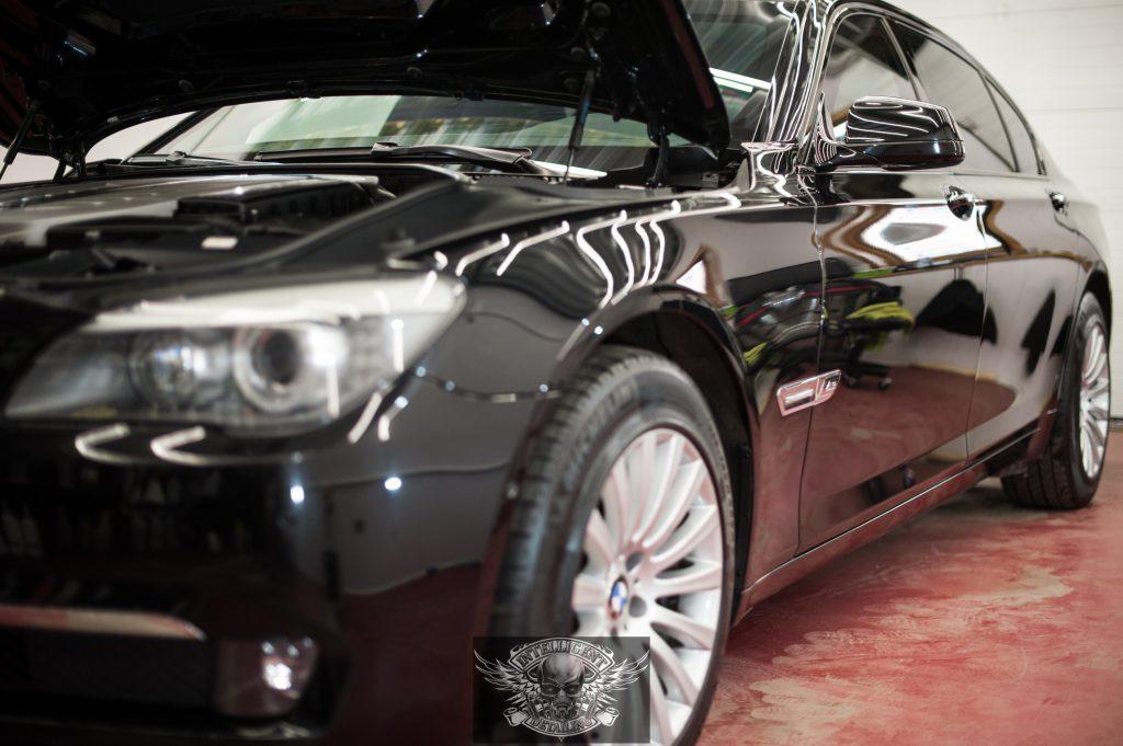BMW 7 Бронированный VR8 полировка лкп