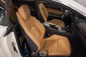 Mercedes E250 - химчистка салона