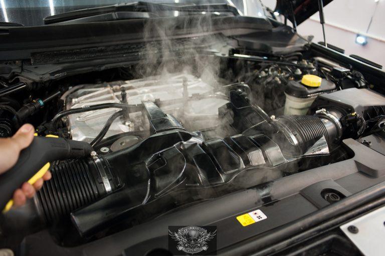 Range Rover мойка мотора паром