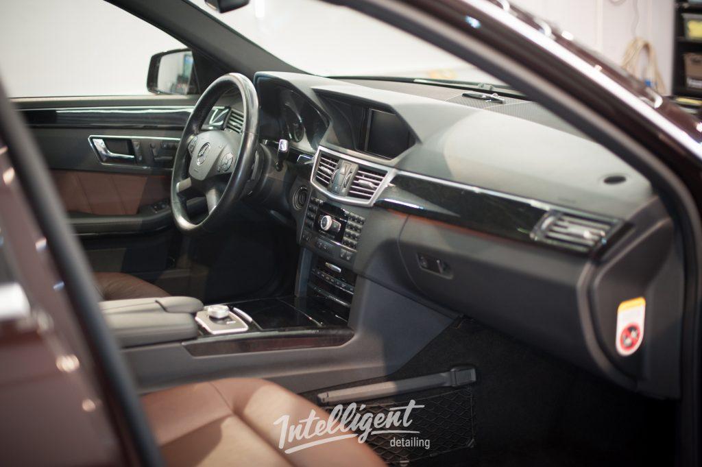 Mercedes E-klasse - химчистка салона