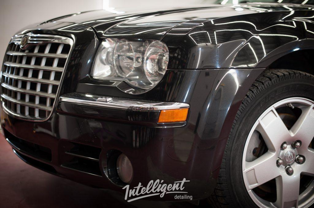 Chrysler 300c - защита фар