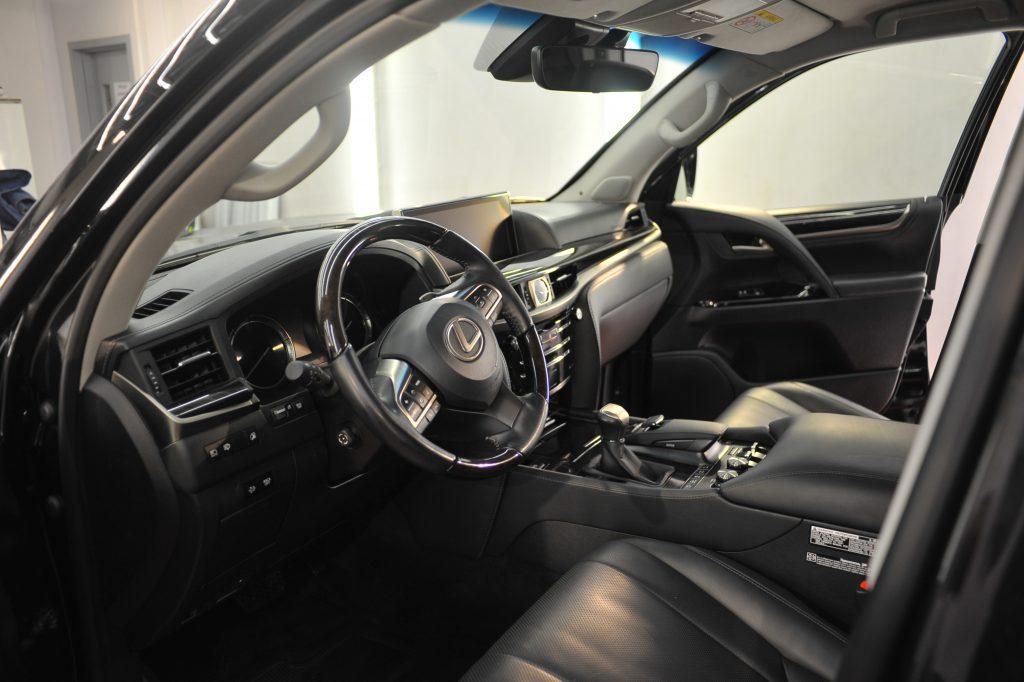 Lexus LХ570 - химчистка салона