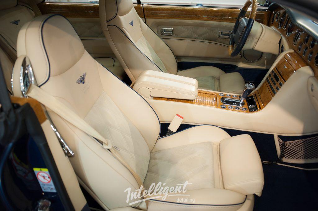 Bentley Brooklands - химчистка салона