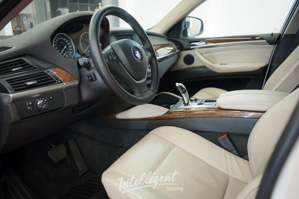 BMW X6 - химчистка салона