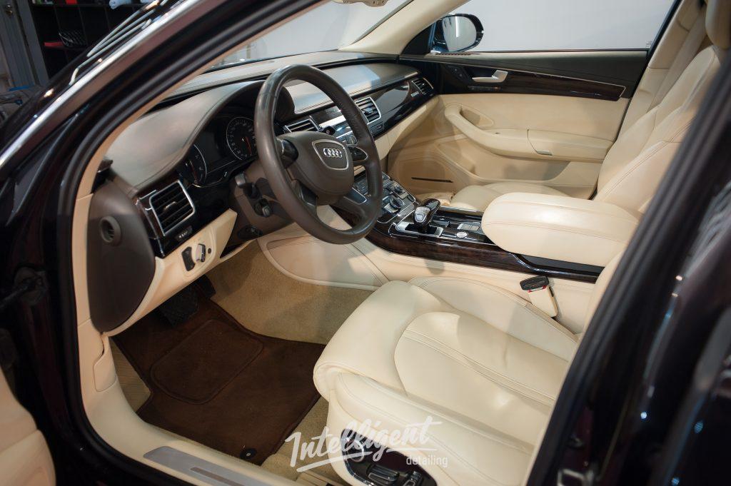 Audi A8 - химчистка салона
