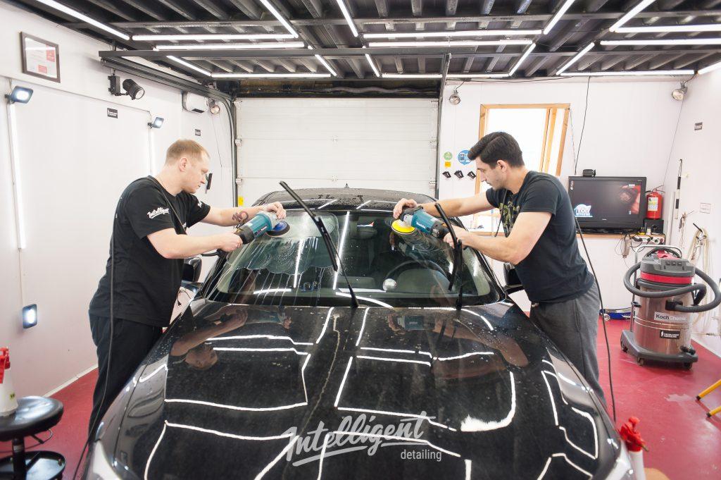 BMW 1 - полировка стекла