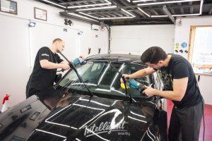 BMW 1 полировка лобового стекла