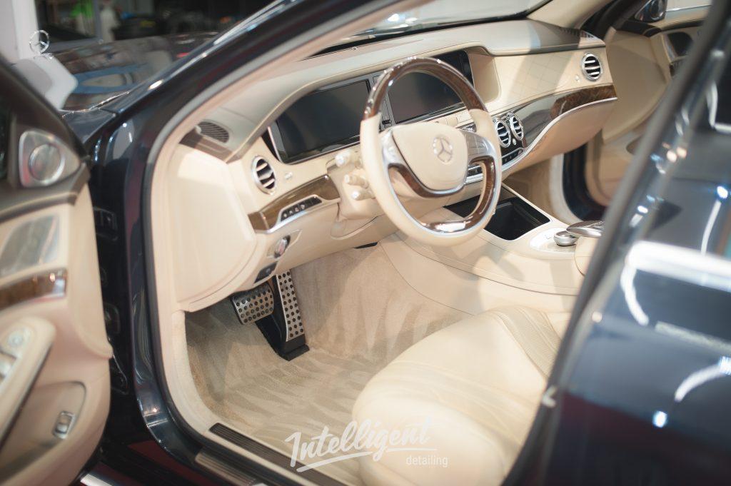 Mercedes S63 AMG W222 - химчистка салона