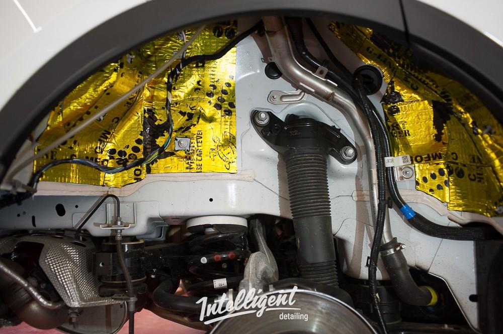 Jaguar e-pace шумоизоляция колесных арок
