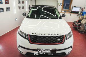 Range Rover Velar оклейка стоек пленкой