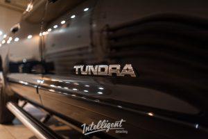 Toyota Tundra - полировка кузова