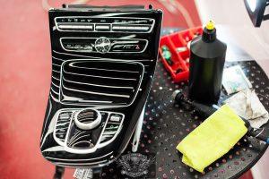 Mercedes e400 полировка панели приборов