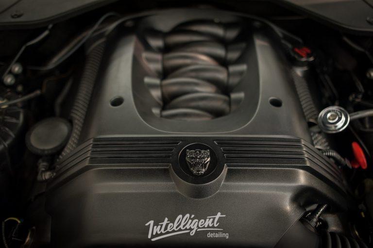 Jaguar XJ мойка мотора паром