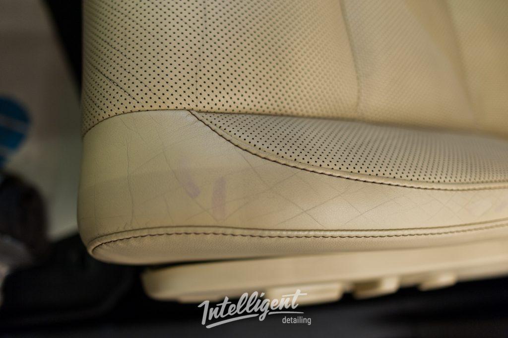 Toyota Highlander - ремонт кожи сидений
