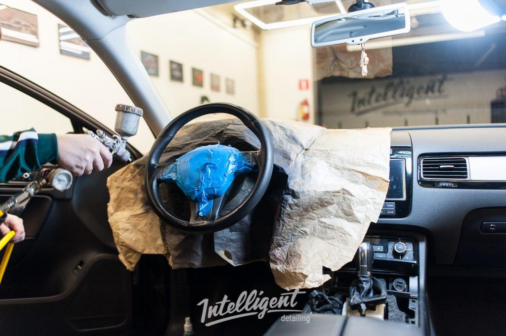 Volkswagen Touareg - покраска салона