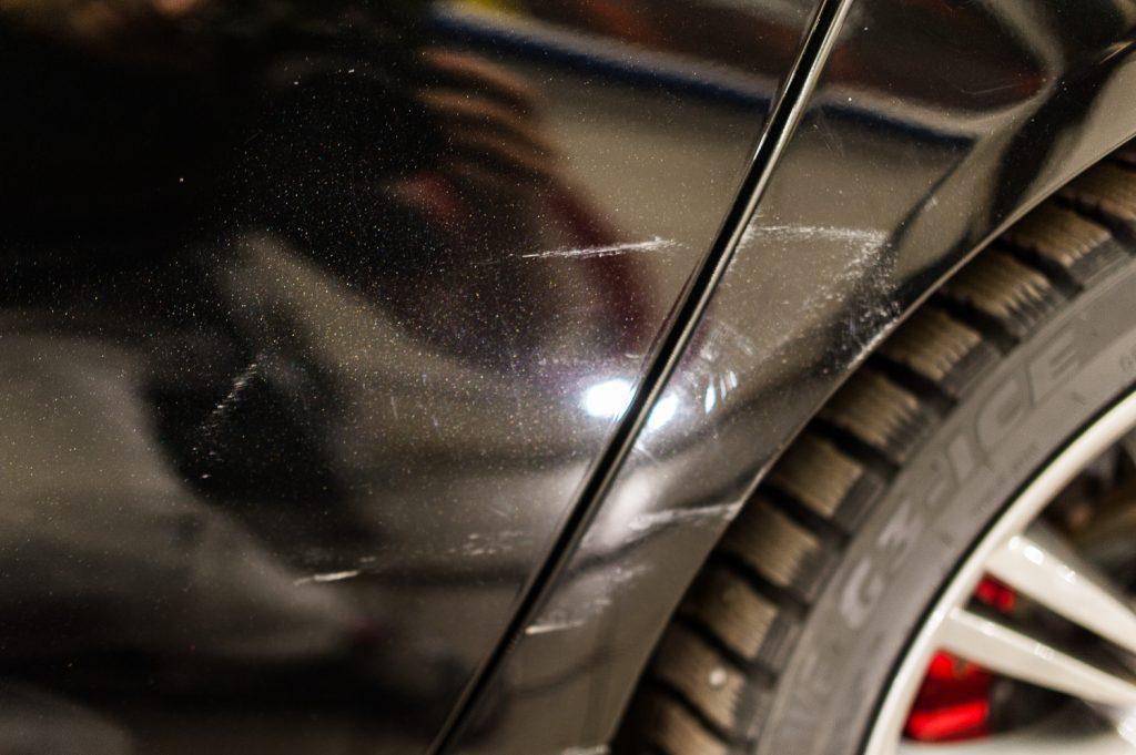 Jaguar XJ полировка царапин (притертости от аварии)