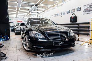 Mercedes S500 221 полировка , химчистка, керамика, мойка мотора.
